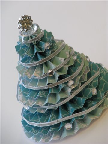 17 Christmas Tree - Cathy Caines