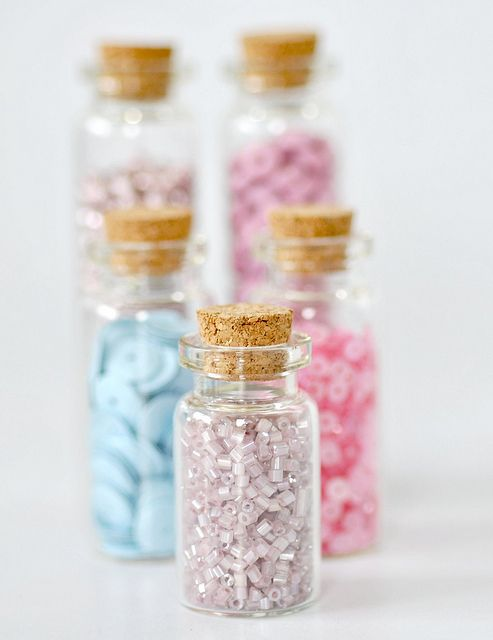 8storage_sequins-bottles