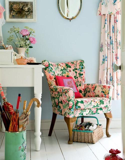 5floral_chair