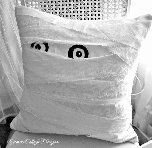 12mum-pillow